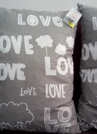 Декоративная подушка *love*.