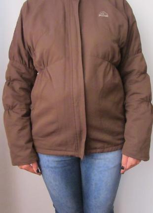 Жіноча куртка nike
