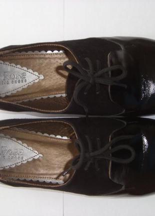 Черн пятн 2017!женские кожаные (лак и замш) туфли черные на шнурках на низком каблуке