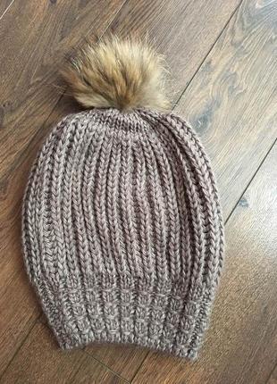 Новая шапка с пампоном из меха