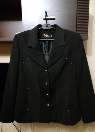 Черный пиджак (жакет)