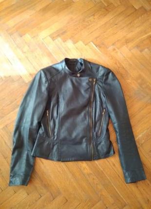 Кожаная куртка esprit