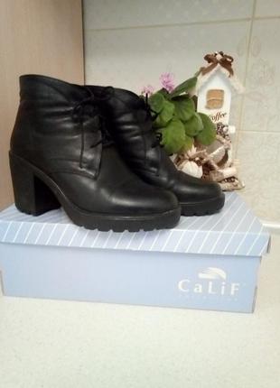 Женские ботинки кожаные осень