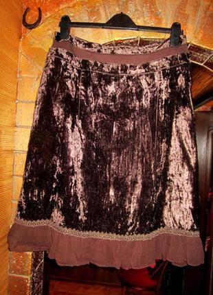 Красивая бархатная юбка полуклеш с воздушной оборкой.