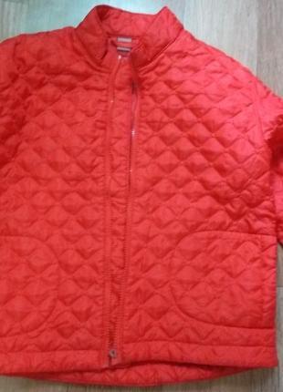 Демисезонная курточка на девочку