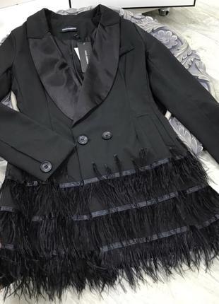 Шикарное вечернее коктейльные роскошное платье перья премиум коллекции missguided asos