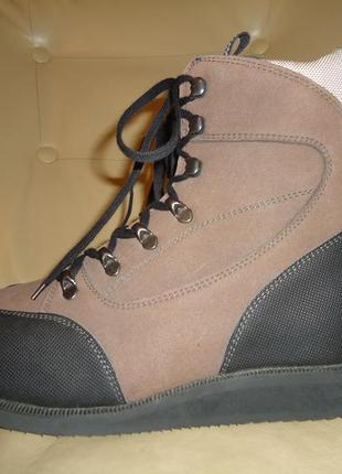 Новые треккинговые ботинки outdoor подошва vibram р. 39