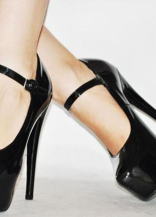 Стильные туфли для уверенных в себе девушек