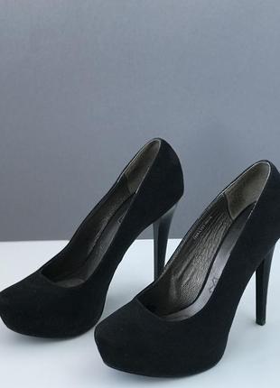 Стильные черные замшевые экозамш туфли на каблуке queen