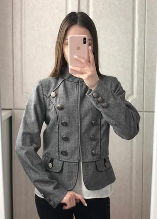 Теплый серый пиджак жакет only