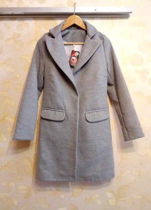 Пальто серое осень\весна