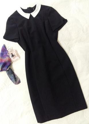 Чорне плаття бренду stradivarius