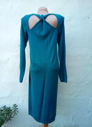 Красивое изумрудное трикотажное платье с открытой спинкой,вискоза,футляр.