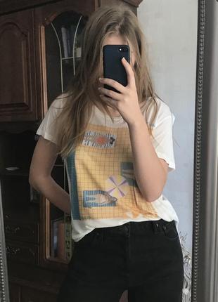 Крутая, новая футболка reserved🔥