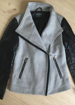Ідеальна куртока-пальто bershka xs