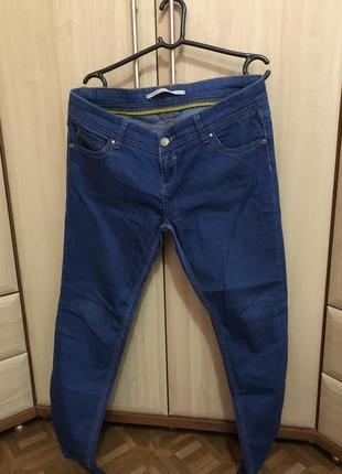 Очень крутые джинсы с классным качеством !