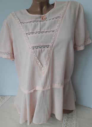 Нежно розовая блуза с баской....