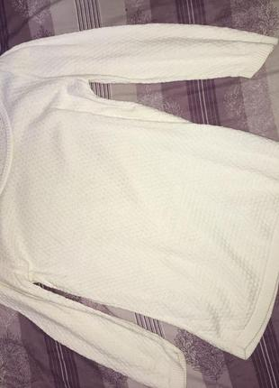 Удлиннённый белый свитер stradivarius