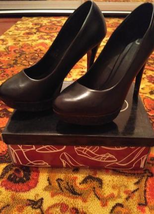 Туфли лодочка на высоком каблуке