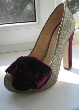 Нарядные туфли braska