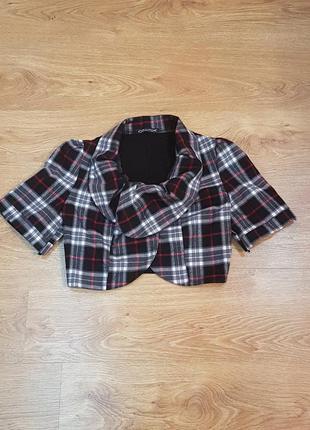 Укороченный пиджак жакет