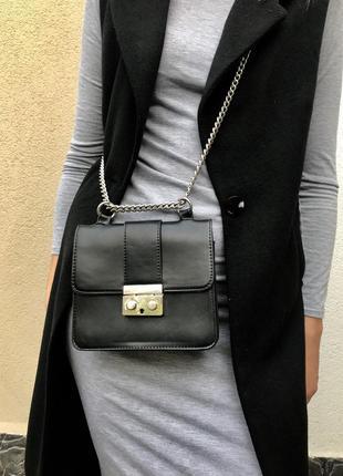 Чёрная,кож.зам сумка в стиле furla от bershka