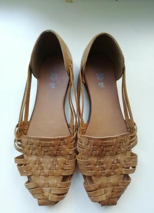 Кожаные туфли на низком ходу 39 - 40 размер