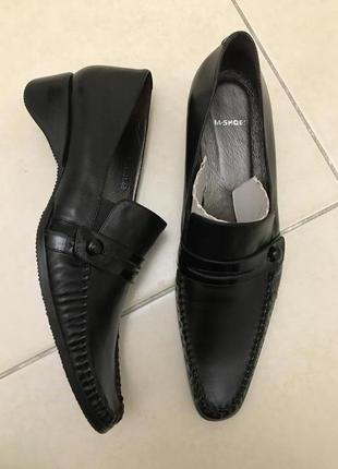 Женские кожаные туфли. новые