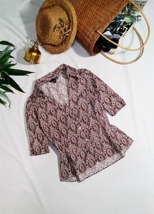 Хлопковая блуза с небольшой баской в очень красивый принт