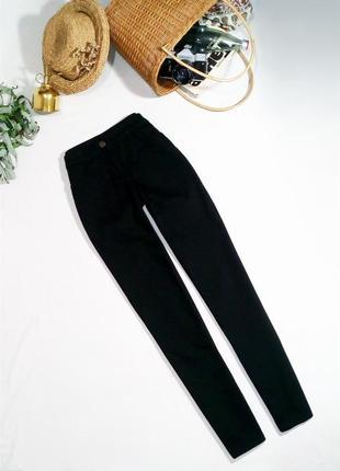 Черные узкие джинсы бойфренд с высокой посадкой. размер 8/s.