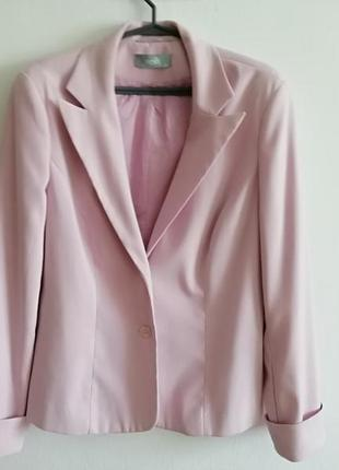Трендовый пудровый пиджак от wallis