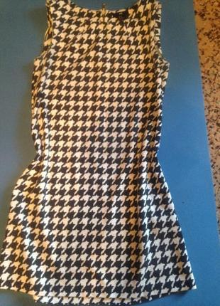 Платье прямого кроя) красивое