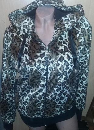 Мягкая леопардовая куртка новая s-m