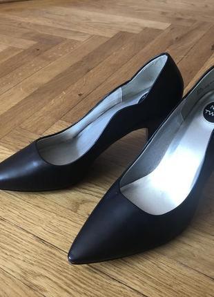 Туфлі жіночі new twist