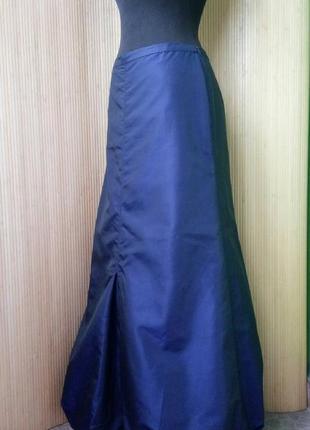 Синяя длинная атласная юбка макси присобраная по подолу2
