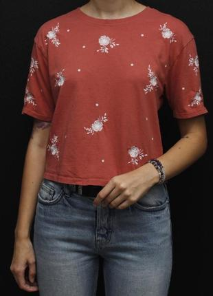 Классная футболка с вышивкой new look