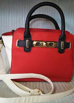 Яркая и модная сумка f&f