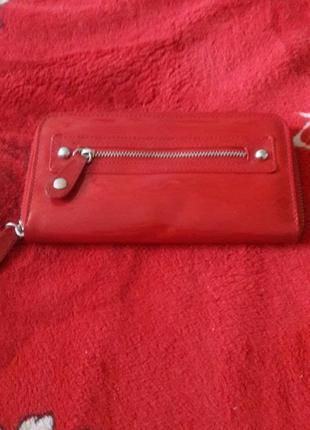 Жіночий  лакований гаманець