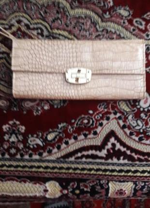 Жіночий лаковий гаманець-клач