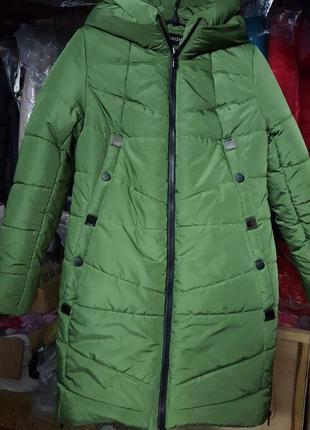Красивенная куртка,пальто,парка..50 по 60 размеры.