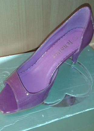 Туфли новые кожа с открытыми пальчиками (яркие летние туфли, босоножки