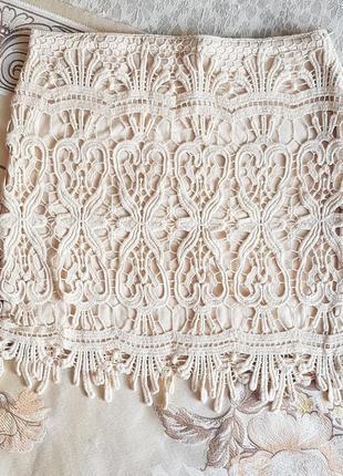 Красивая кружевная мини юбка