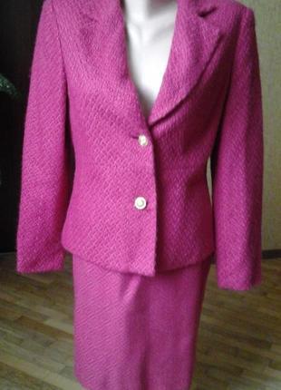Розовый пиджак и юбка  фирмы r.q.t. petite