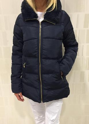 Синяя теплая куртка на синтепоне. mohito. размеры разные.