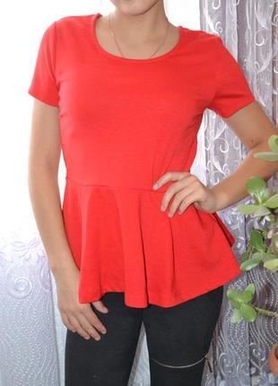 Утонченная баска блуза с замочком  на спинке