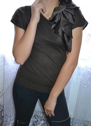 Утонченная блуза с воланом