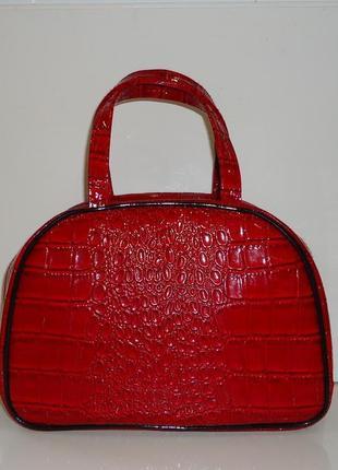 Продам красивую сумку elizabeth arden