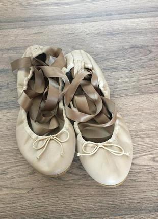 Кожаные балетки zara