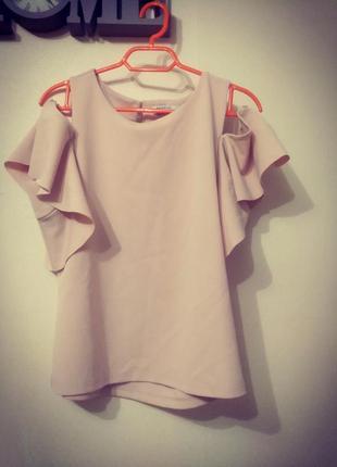 Ультраромантичная блуза с опущенными плечиками