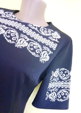 Роскошное платье с прикарпатской вышивкой